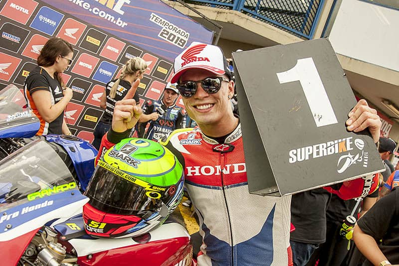 O título parece só uma questão de tempo para o paulista, que disputará em casa a etapa final do Superbike nacional - Foto: Ricardo Santos / Mundo Press