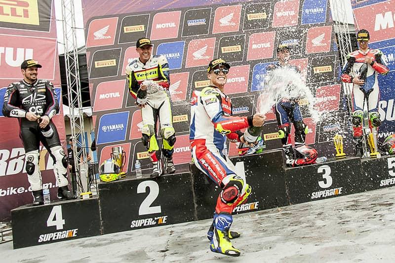 Festa no pódio. Em oito etapas, sete vitórias de Granado - Foto: Ricardo Santos / Mundo Press