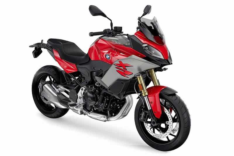 F 900 XR é baseada na tetracilíndrica de 1000 cilindradas da marca e promete briga com Ducati Multistrada 900 e Yamaha Tracer 900