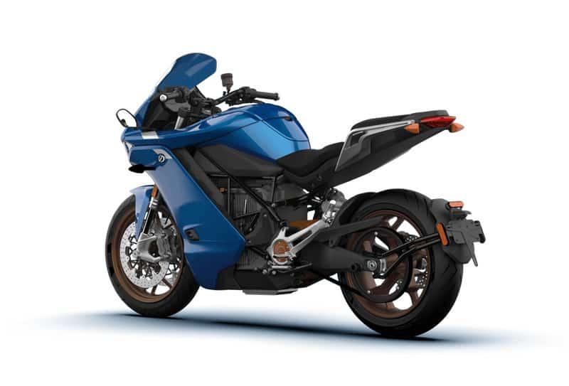 Baterias garantem mais de 300 quilômetros de autonomia nesta moto elétrica