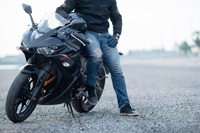 Saber qual moto comprar é o primeiro passo quando falamos em comprar uma moto usada. Pensei no seu uso, no seu estilo, as suas preferências e experiências