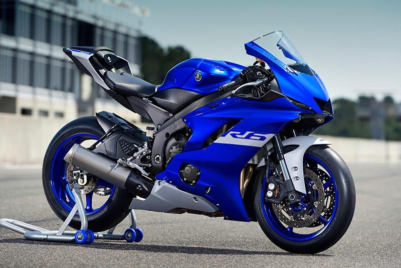 Supersport é baseada na irmã maior, a R1. Apesar de perder alguns cavalos, Yamaha garante que eletrônica e nova aerodinâmica fazem essa geração mais rápida que a anterior